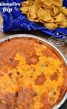 3 Ingredient Bean and Cheese Easy Camp dip Recipe or for your grill Perfect for summer parties Memorial Day Fourth of July and Labor Day get togethers with family and kid. Camping Desserts, Camping Snacks, Camping Cooking, Camping Breakfast, Easy Camping Food, Oven Cooking, Camping Activities, Camping Appetizers, Vegetarian Camping