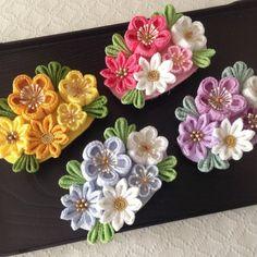 〈つまみ細工〉梅と小菊のバレッタ(山吹とレモン) Diy Lace Ribbon Flowers, Kanzashi Flowers, Ribbon Art, Leather Flowers, Diy Ribbon, Ribbon Crafts, Flower Crafts, Fabric Flowers, Fabric Crafts