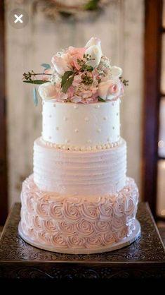 6 Wedding Cake Trends in 2020 Black Wedding Cakes, Elegant Wedding Cakes, Elegant Cakes, Beautiful Wedding Cakes, Wedding Cake Designs, Beautiful Cakes, Quince Cakes, Quinceanera Cakes, Fresh Flower Cake