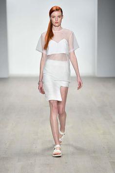 Karla Spetic Australia Resort 2018 Fashion Show Collection Fashion 2018, Womens Fashion, Australian Fashion, Fashion Show Collection, Couture, White Fashion, Catwalk, Ready To Wear, Runway