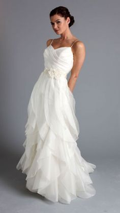 casual wedding dress - would be so cute with cowgirl boots for an outdoor wedding
