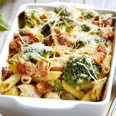 most popular chicken recipes - kip - Heerlijke meal Crispy Chicken Salads, Chicken Salad Recipes, Pasta Recipes, Dinner Recipes, Baked Onions, Broccoli Pasta, Risotto, Oven Dishes, Good Healthy Recipes