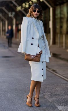 Pin for Later: 73 Styling Hacks to Steal From the Street Style Down Under Complement a Sophisticated Cream Suit With Tan Accessories Camilla and Marc outfit. Office Fashion, Work Fashion, Star Fashion, Club Fashion, Fashion Hacks, Fashion 2018, Cheap Fashion, Fashion Styles, Fashion Fashion