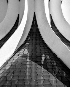 Gallery: Oscar Niemeyer's Cathedral of Brasília Photographed by Gonzalo Viramonte,© Gonzalo Viramonte