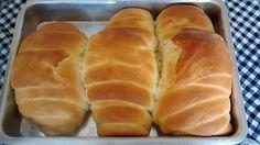 O Pão Caseiro da Vovóé fácil de fazer, delicioso e fofinho. Faça para o café da manhã ou o lanche da tarde e agrade a todos! Veja Também:Pão de Leite em