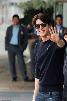 Korean Male Actors, Handsome Korean Actors, Korean Actresses, Korean Celebrities, Korean Men, Asian Actors, Kim Woo Bin, Won Bin, Instyle Magazine