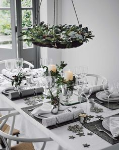 Christmas table decorations for those one of a kind Christmas parties are fun and easy to make. If you do plan on making your own Christmas table decorations, they can be time consuming and if you have a dozen or… Continue Reading → Christmas Dining Table, Christmas Table Settings, Christmas Tablescapes, Christmas Table Decorations, Decoration Table, Centerpiece Ideas, Table Centerpieces, Tree Decorations, Silver Christmas