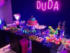 como decorar festa neon debuntante