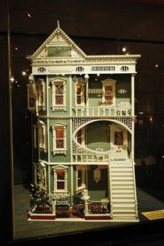 I want this house in Lego and in real life! Victorian Dolls, Victorian Dollhouse, Dollhouse Dolls, Antique Dolls, Dollhouse Miniatures, Victorian Cottage, Vintage Dollhouse, Modern Dollhouse, Miniature Rooms