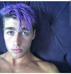Luke Davis hair