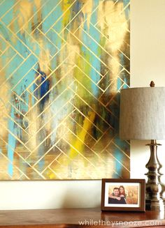DIY Herringbone Metallic Artwork Cheap and Easy DIY artwork using an old painting you already have, tape, and spray paint. Diy Artwork, Metal Artwork, Diy Wall Art, Cheap Artwork, Wall Decor, Diy Art Projects Canvas, Diy Canvas, Diy Projects, Blank Canvas