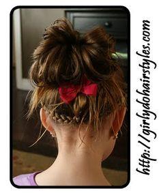 Una niña muy afortunada de tener una mamá súper creativa con el pelo :D