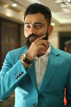 Take a look at the top 5 songs of Amrit Maan Photo Poses For Boy, Boy Poses, Beast Wallpaper, 1080p Wallpaper, Rainy Wallpaper, Wallpapers, Parmish Verma Beard, Top 5 Songs, Instagram Status