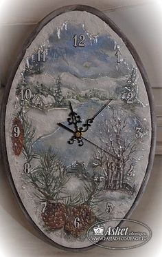 zegar decoupage - Αναζήτηση Google Clock Craft, Clock Decor, All Craft, Handmade Decorations, Handmade Christmas, Seasonal Decor, Decorative Plates, Art Gallery, Shabby Chic