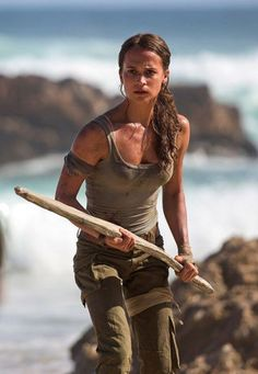 First official picture of Alicia Vikander as Lara Croft in Tomb Raider!