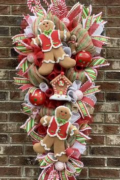 Gingerbread Christmas Decor, Gingerbread Decorations, Candy Christmas Decorations, Christmas Mesh Wreaths, Christmas Swags, Christmas Crafts, Gingerbread Ornaments, Holiday Decor, Christmas Planning