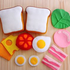 Felt Food - Toaster PDF Pattern (Toaster, Bagel, Cream Cheese, Toaster Pastry, W. Felt Food Patterns, Felt Ornaments Patterns, Felt Diy, Felt Crafts, Diy And Crafts, Sewing Toys, Sewing Crafts, Diy For Kids, Crafts For Kids