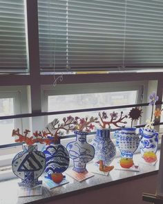 Ming Dynasty vase project - Quick, Easy, Cheap and Free DIY Crafts 7 Arts, Art History Lessons, 2nd Grade Art, School Art Projects, Kindergarten Art, Middle School Art, Art Lessons Elementary, Art Lesson Plans, Art Classroom