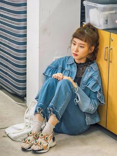 Age of youth season 2 Youth Songs, Korean Actresses, Korean Actors, South Korean Women, Age Of Youth, Build A Wardrobe, College Girls, Material Girls, Dance Outfits