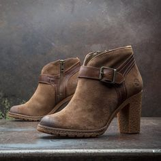 Glancy Ankle Boots in taupe suede #inmyelement #timberland #heels