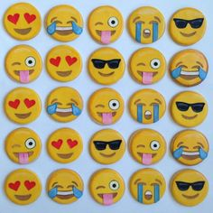 An array of emotions Emoji cookies (Emoji Cake Diy) Royal Icing Cookies, Iced Cookies, Sugar Cookies, Cute Cookies, Cupcake Cookies, Deco Cupcake, Emoji Cake, Rhubarb Cake, Cookie Designs