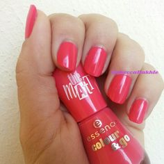 """Swatch of @essence_cosmetics -Colour & Go 185 in """"Candy Crush"""" The Matt with 2 Coats and without any Top Coat"""