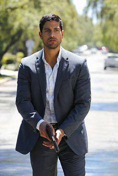 CSI Miami: Adam Rodriguez hot as hell. Adam Rodriguez, Michael Rodriguez, Chicago Fire, Criminal Minds, Ncis, Les Experts Miami, Jet Set, Raining Men, Tv Guide