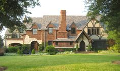 One of Dallas' most famous architects was Charles Dilbeck. A native of Oklahoma, Dilbeck attended Oklahoma State University for only two years of formal training. Much of what he learned took…
