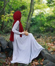 Image may contain: one or more people, people standing, child and outdoor Hijabi Girl, Girl Hijab, Hijab Dress, Hijab Outfit, Muslim Girls, Muslim Women, Abaya Fashion, Muslim Fashion, Hijab Dpz