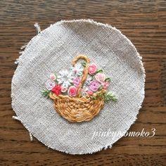 . . 花籠。。。 . #flowerbasket #flora #flower #flowerembroidery #basket #handmade #handembroidery #embroidery #handembroidery #花籠 #刺繍 #手芸 #花刺繍 #ハンドメイド #手刺繍 #手作り #手仕事 #籠
