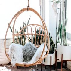 Unique Luxury Furniture casa para venda on-line Decoration Inspiration, Interior Inspiration, Design Inspiration, My New Room, My Room, Home Decoracion, Swinging Chair, Hanging Egg Chair, First Home