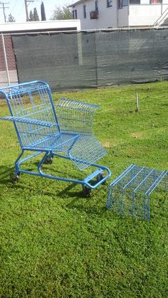 grocery cart chair by on Etsy Campfire Desserts, Diy And Crafts, Arts And Crafts, Shopping Carts, Pallet Creations, Outdoor Chairs, Outdoor Decor, Metal Fabrication, Recycled Furniture