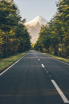 Trendy Ideas For Landscape Mountain Road Paths Beautiful Roads, Beautiful World, Beautiful Landscapes, Beautiful Places, Landscape Photography, Nature Photography, Travel Photography, Landscape Pics, Photography Aesthetic