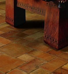 Tuscan Flooring Ideas - Terra Cotta Tiles put heating under the living room? Rustic Italian, Italian Home, Italian Farmhouse, Italian Style, Stone Flooring, Kitchen Flooring, Flooring Ideas, White Flooring, Garage Flooring