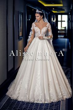 Taupe Bridesmaid Dresses, Winter Dresses, Summer Dresses, Wedding Dresses 2018, Couture, Bridal Gowns, Wedding Inspiration, Dress Models, Winter Blue