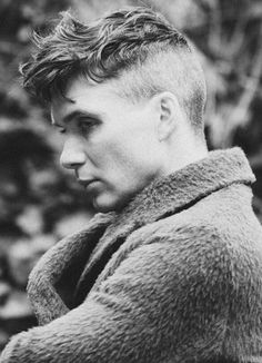 Cillian Murphy as Thomas Shelby Trendy Haircuts, Haircuts For Men, Funky Hairstyles, Formal Hairstyles, Wedding Hairstyles, Thomas Shelby Haircut, Peaky Blinder Haircut, Cillian Murphy Peaky Blinders, Beautiful Blue Eyes