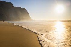 Kom med til skønne Portugal på en yogarejse med lydoplevelser. Dette retreat er for dig, som har brug for et pusterum til at (gen)finde din indre ro, med mulighed for healing gennem kropsarbejde og lyd.    5 dage med fokus på dig midt i Portugals smukke n