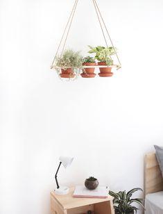 DIY Hanging Planter - great handmade hostess gift idea