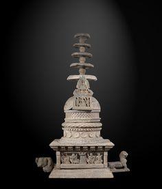 Rare et important stupa Art Kushan du Gandhâra Ca 3°-5° siècle Schiste. H. 156 cm