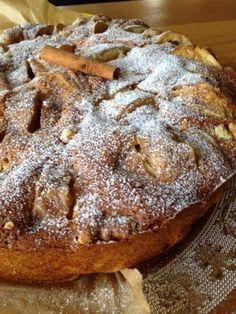 Essa tarte de maçã deveria ganhar um Óscar. Claro que a minha opinião vale o que vale, mas quem já provou concorda : P ...