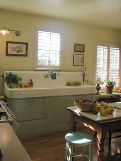 Awesome updated fatmhouse kitchen with 2 dishwashers under the vintage sink. What a Cool looking Vintage Sink! Farmhouse Sink Kitchen, Kitchen Redo, Country Kitchen, New Kitchen, Kitchen Dining, Kitchen Remodel, Country Sink, Big Country, Farm Sink