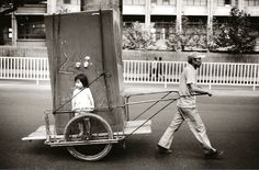 Take a look at these vintage photographs of South Korea from to taken by Korean photographer Kim Ki-chan. Old Pictures, Old Photos, Vintage Photographs, Vintage Photos, Time In Korea, Korean Photography, Bless The Child, Korean Hanbok, The Old Days