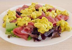Avocadosalade met rosbief Low Carb Keto, Low Carb Recipes, Fruit Salad, Cobb Salad, Lose Belly, Cheddar, Sushi, Cabbage, Avocado