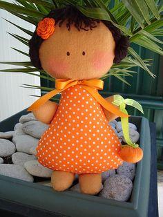 Menina das laranjinhas by Miminhos da mamã - Atelier Ana Pereira, via Flickr