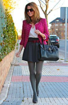 Fashion and Style Blog / Blog de Moda . Post: Oh My Looks Skirt / Falda Oh My Looks .More pictures on/ Más fotos en : http://www.ohmylooks.com/?p=20704 .Llevo/ I wear Skirt : Oh My Looks Shop (info@ohmylooks.com) ; Bag : BARADA vía Jorge Bernial (Principe de Vergara 22, Madrid) ; Tights : Calzedonia ; Blouse : Zara (old) ; Jacket : old