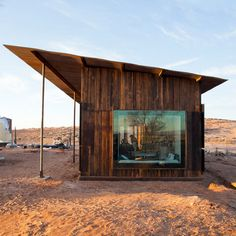Architecture View: Nakai House Eight architecture students from the University of Colorado have designed and built a cabin in the Utah desert for a Navajo woman under the open sky. Utah, Small House Decorating, University Of Colorado, Tiny House Cabin, Desert Homes, House Made, Cabins In The Woods, The Ranch, Cabana