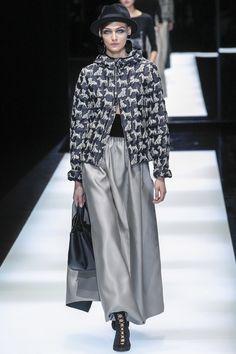 Giorgio Armani Fall 2017 Ready-to-Wear Fashion Show - Deimante Misiunaite