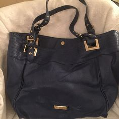 Large Steve Madden Bag/tote, royal blue Steve Madden large royal blue bag with gold hardware. Lightly used. No marks. Great condition. Steve Madden Bags Totes