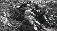Polish anti tank gun crew.