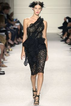 Marchesa Spring 2016. See all the best runway looks from NYFW here: